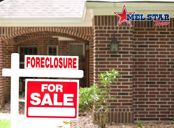 4 Precautionary Steps to Take Before Buying a Foreclosed Home